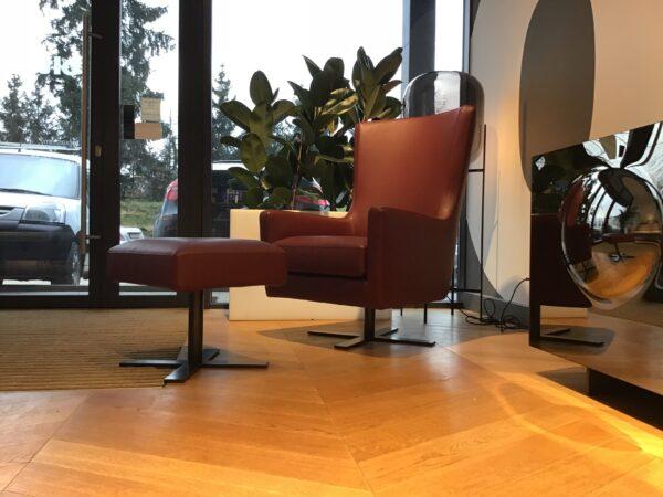 Fotel Venus z podnóżkiem – z ekspozycji