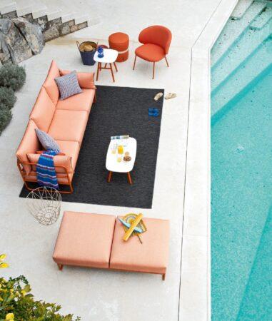 Kolekcja Easy: sofy, fotele, pufy