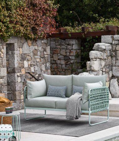 Kolekcja Yo!: sofy, fotele, pufy i stoliki